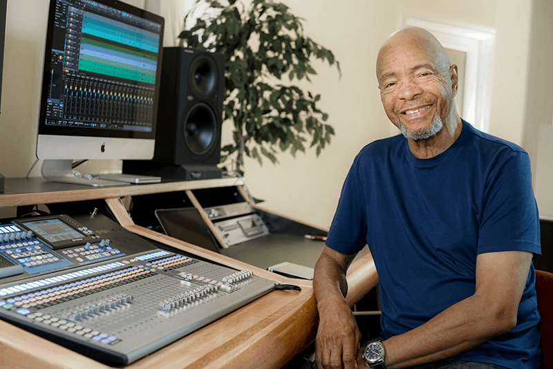 Drummer Chester Thompson with his PreSonus StudioLive 32 digital console/recorder and Studio One. Click for larger image.