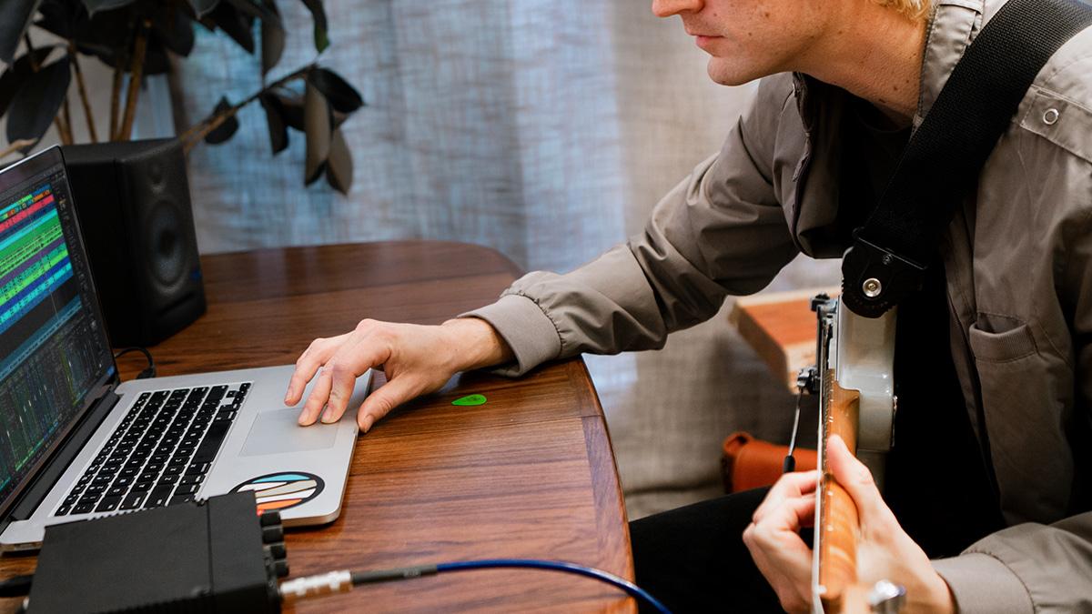 Guitarist recording in Studio One