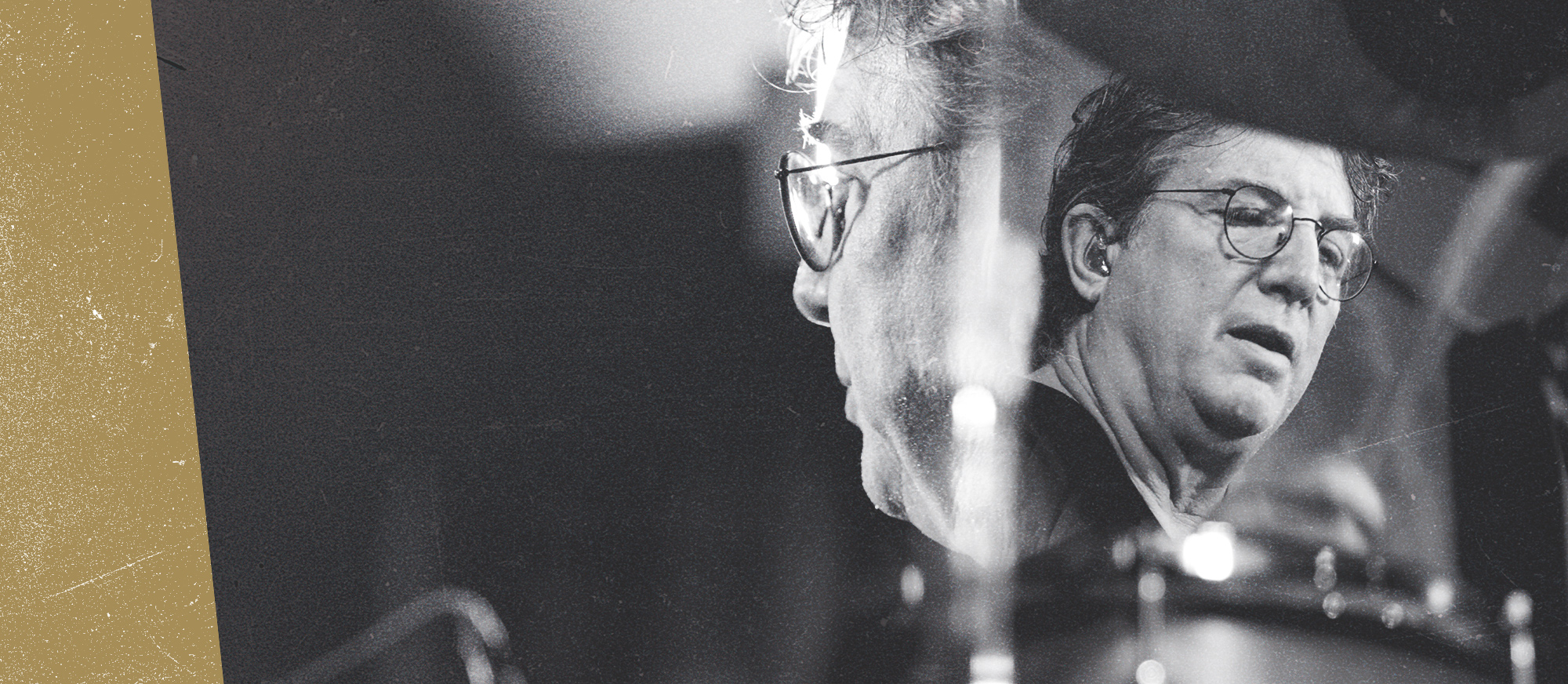 Tom Brechtlein playing drums